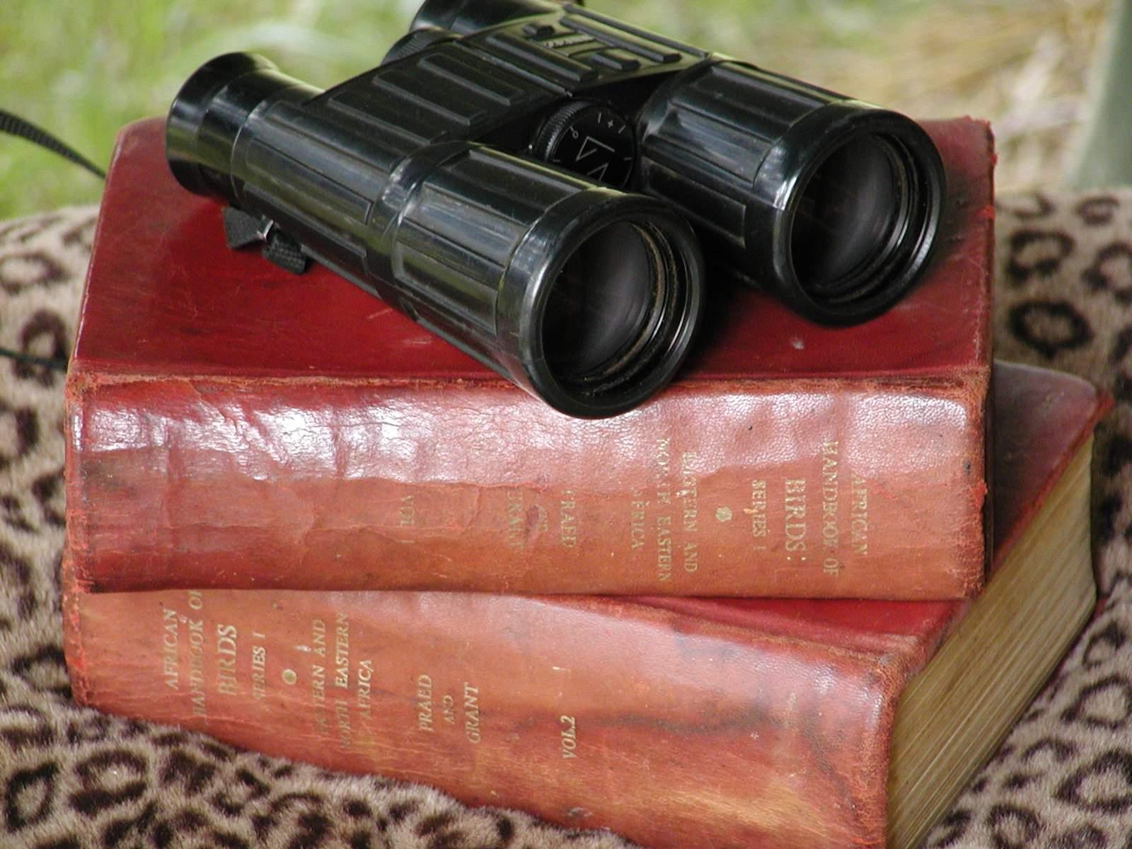 Old Africa Books & Binos